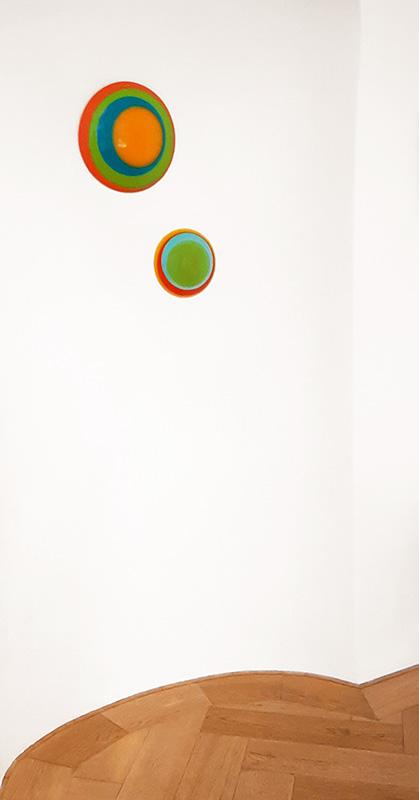 Wandobjekte Circle von Uta Weber in der Galerie Smolka Contemporary in Wien